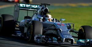 Mercedes driver Lewis Hamilton of Britain takes a bend during the second practice session ahead of the Formula One Australian Grand Prix in Melbourne on March 14, 2014. AFP PHOTO / Saeed KHANIMAGE RESTRICTED TO EDITORIAL USE - STRICTLY NO COMMERCIAL USE